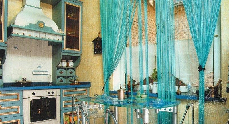 Шторы нитки на кухне